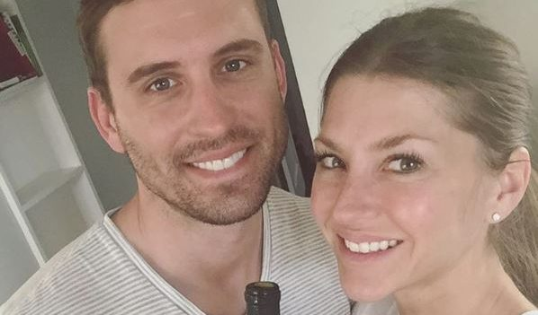 Cupid's Pulse Article: Celebrity News: 'Bachelor' Alum AshLee Frazier Marries Aaron Williams in Lakefront Ceremony