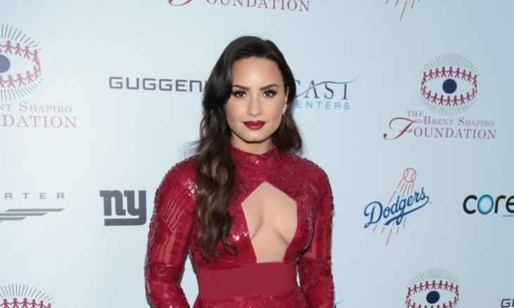 Cupid's Pulse Article: New Celebrity Couple: Demi Lovato Caught Kissing Henry Levy During Dinner Date