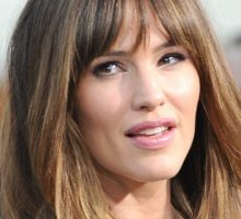 Latest Celebrity News: Jennifer Garner Says She Is 'Not Interested in Dating' After Split From Ben Affleck