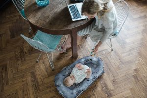 Cupid's Pulse Article: Product Review: A Lounger Fit For a Celebrity Baby
