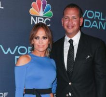 Celebrity Engagement? Jennifer Lopez Flashes Diamond Ring at Game 2 of World Series With A-Rod
