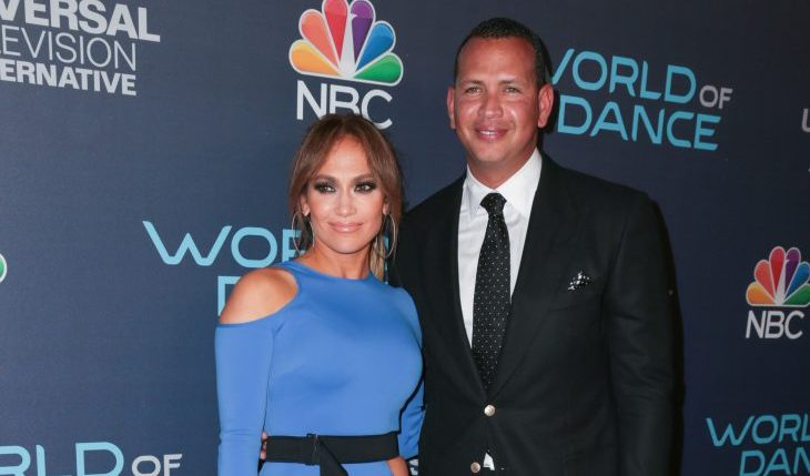 Cupid's Pulse Article: Celebrity Engagement? Jennifer Lopez Flashes Diamond Ring at Game 2 of World Series With A-Rod