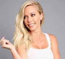 Celebrity Marriage: Kendra Wilkinson Takes Off Wedding Ring and Breaks Down on Instagram