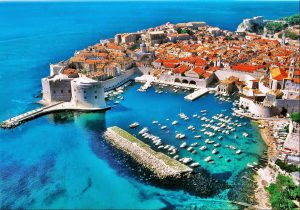 Cupid's Pulse Article: Vacation Destinations: Top 5 Must-See Places in Europe