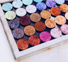 Beauty Advice: Spice Up Your Look With Glitter