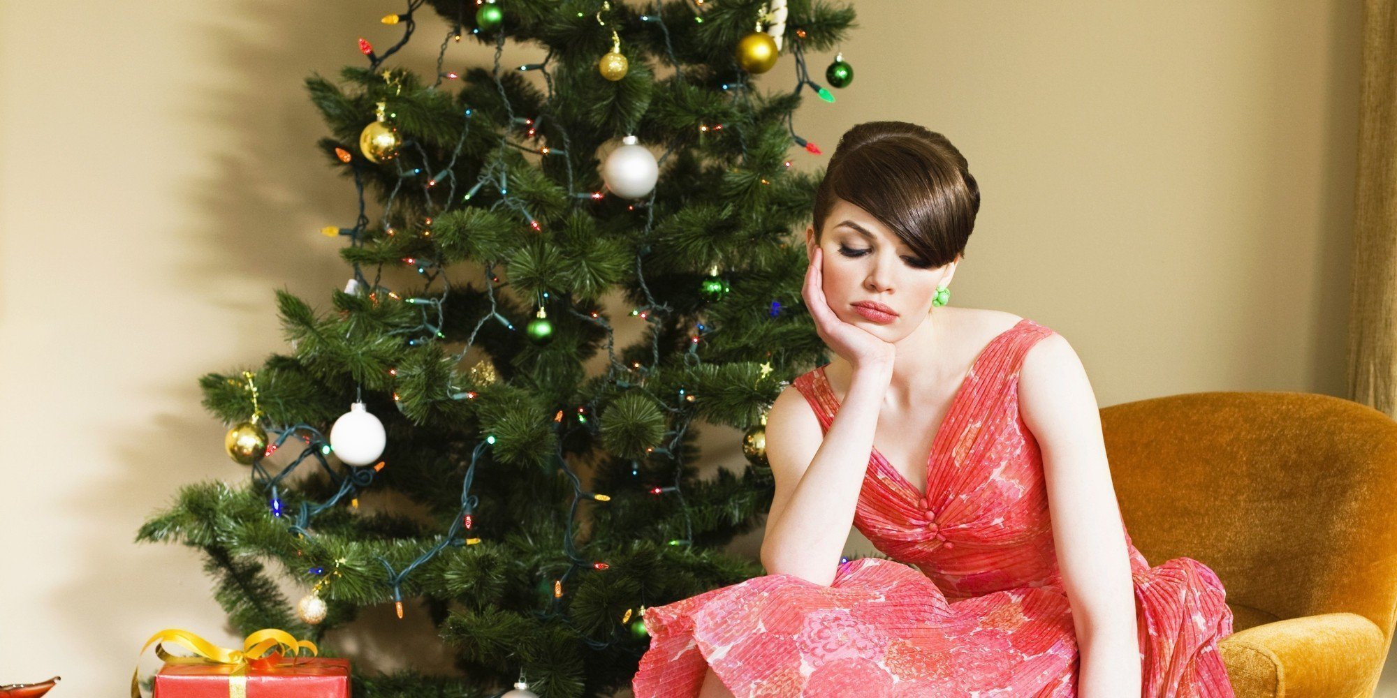 Cupid's Pulse Article: Ask The Guy's Guy: How Do I Get Through The Holiday Season Being Single?