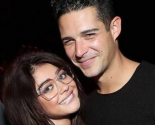 Celebrity Couple: Sarah Hyland & Wells Adams Get Cozy on Super Bowl Date Night