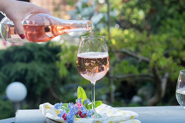 Cupid's Pulse Article: Love & Libations: Celebrity Pink Sips For The Summer