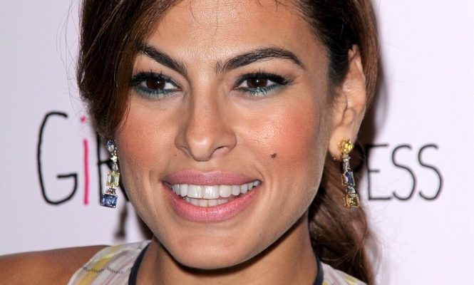 Cupid's Pulse Article: Celebrity Parents: Eva Mendes & Ryan Gosling Are Running Into Trouble Teaching Their Daughters Spanish