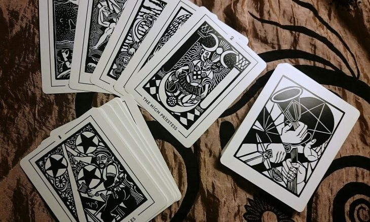 Cupid's Pulse Article: Product Review: Yes-No Tarot for Millennials