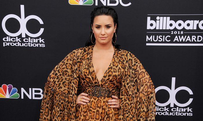 Cupid's Pulse Article: Celebrity Couple News: Demi Lovato & New BF Austin Wilson Show PDA on Hike