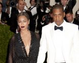 Celebrity Couple News: Beyonce & Jay-Z Stay Seated During National Anthem at Super Bowl