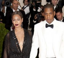 Celebrity News: Beyoncé Gives Death Stare As Warriors Owner's Wife Talks to Jay-Z