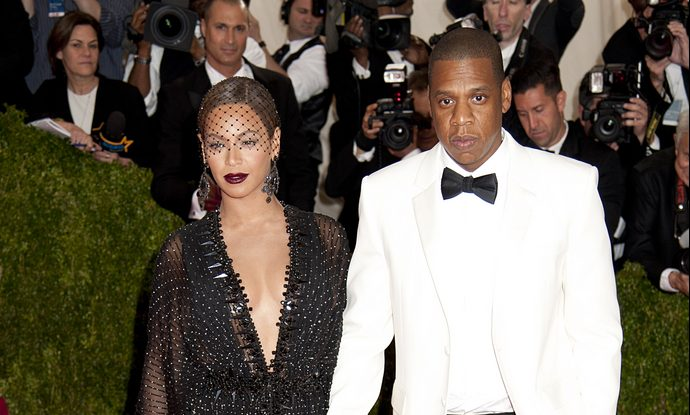 Cupid's Pulse Article: Celebrity Couple News: Beyonce & Jay-Z Stay Seated During National Anthem at Super Bowl