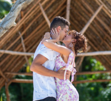 Celebrity Engagement: Sarah Hyland and Wells Adams Are Engaged!