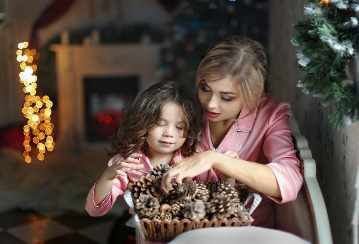 Cupid's Pulse Article: Parenting Tips: How to Get Your Kids to Bed Early on Christmas Eve