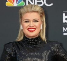 Celebrity Break-Ups: Kelly Clarkson Gets Primary Custody of Kids Amid Split