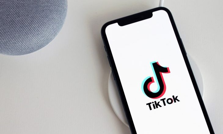 Cupid's Pulse Article: 5 TikTok Fashion Trends to Follow