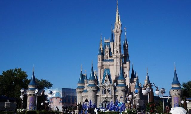 Cupid's Pulse Article: 6 Travel Tips for Visiting Disney World
