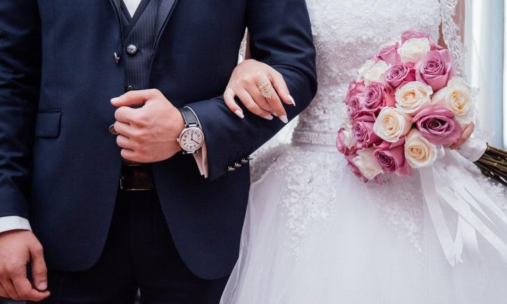 Cupid's Pulse Article: Relationship Advice: 4 Wedding Morning Gifts for the Groom